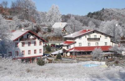 Naousa Natura Mountain Sports Hotel